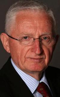 Живадин ЈОВАНОВИЋ,  шеф дипломатије СРЈ, председник Београдског форума