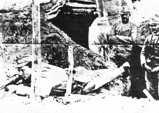 Јосип Броз Тито као аустроугарски војник ратује против Срба у Србији током првог светског рата.