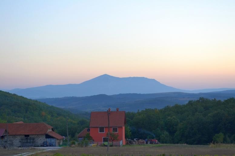 Поглед на Ртањ са позиције Лазаревог кањона...