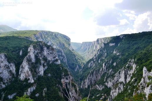 Поглед на кањон који је дуг скоро 10 км....